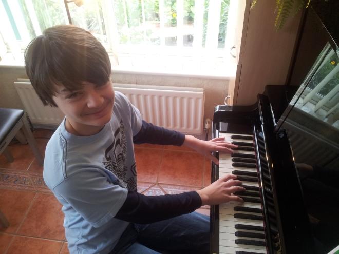 Learn piano Milton Keynes