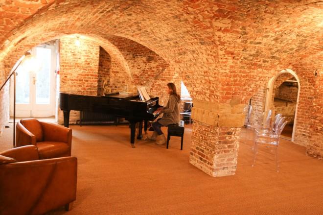 piano cellar